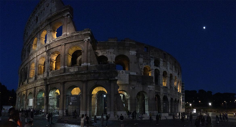 Das Kolosseum in Rom bei Nacht erkunden
